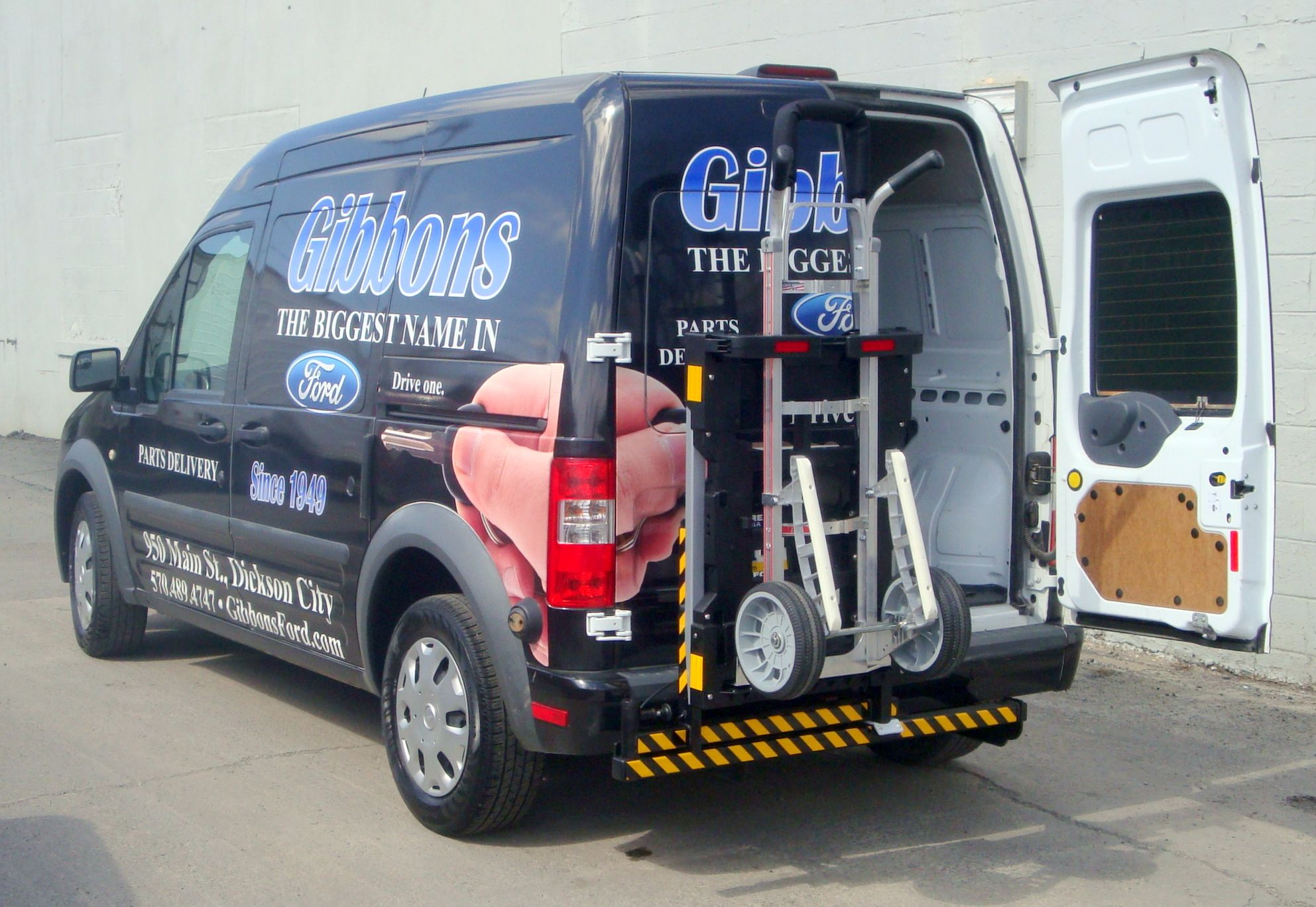 The Hts 20sft Ford Transit Min Van Hts Ultra Rack Automatically Locks Outward To A 90 Swing Position Or A Preselected Ford Transit Hand Trucks Truck Transport