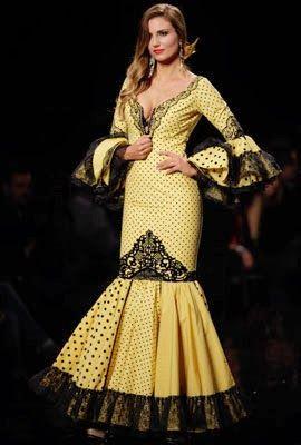 Traje De Flamenca Amarilllo | Traje de flamenca de lunares en color amarillo combinado con negro de ...