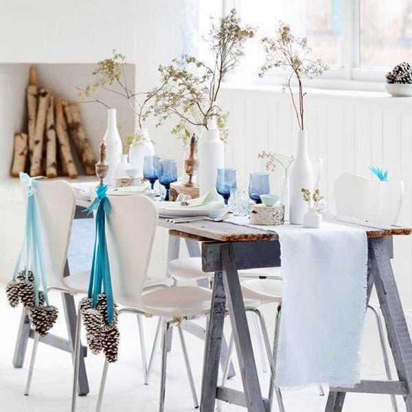 Are you hosting the Christmas dinner or lunch? Here are some great ideas about how to decorate your table for Christmas.