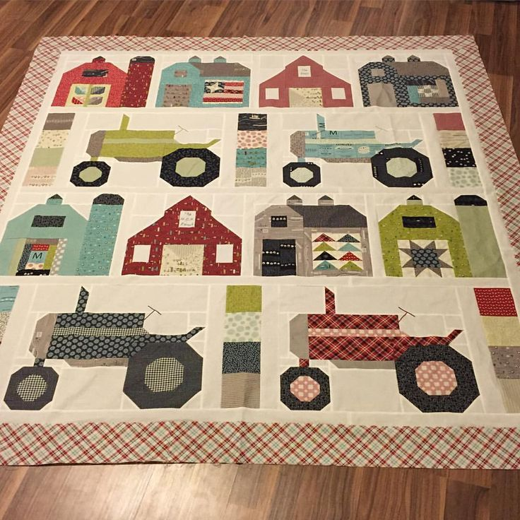 And the second one. Bad lighting, but it's ready for some quilting ... : farm quilt patterns - Adamdwight.com