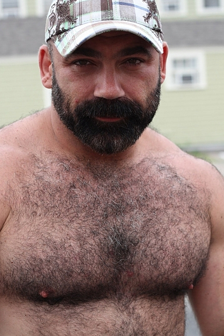 Hot Hairy Muscle Daddy