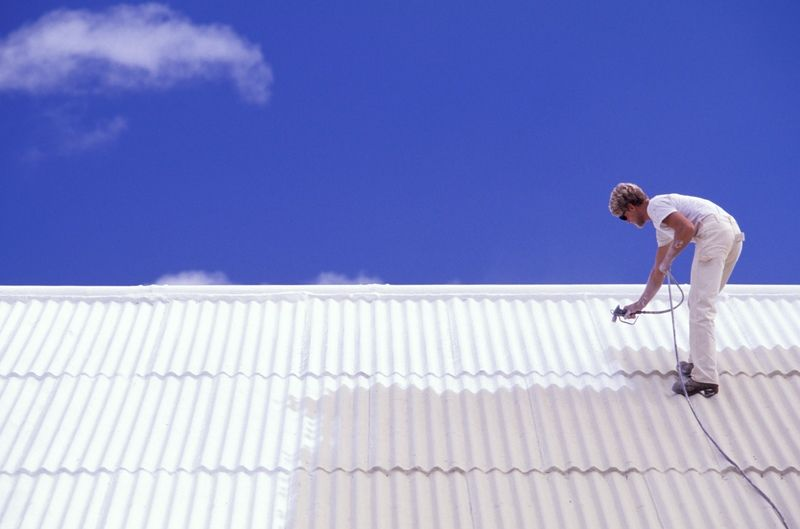 Flat roof problems and leaks can be solved with liquid roof.