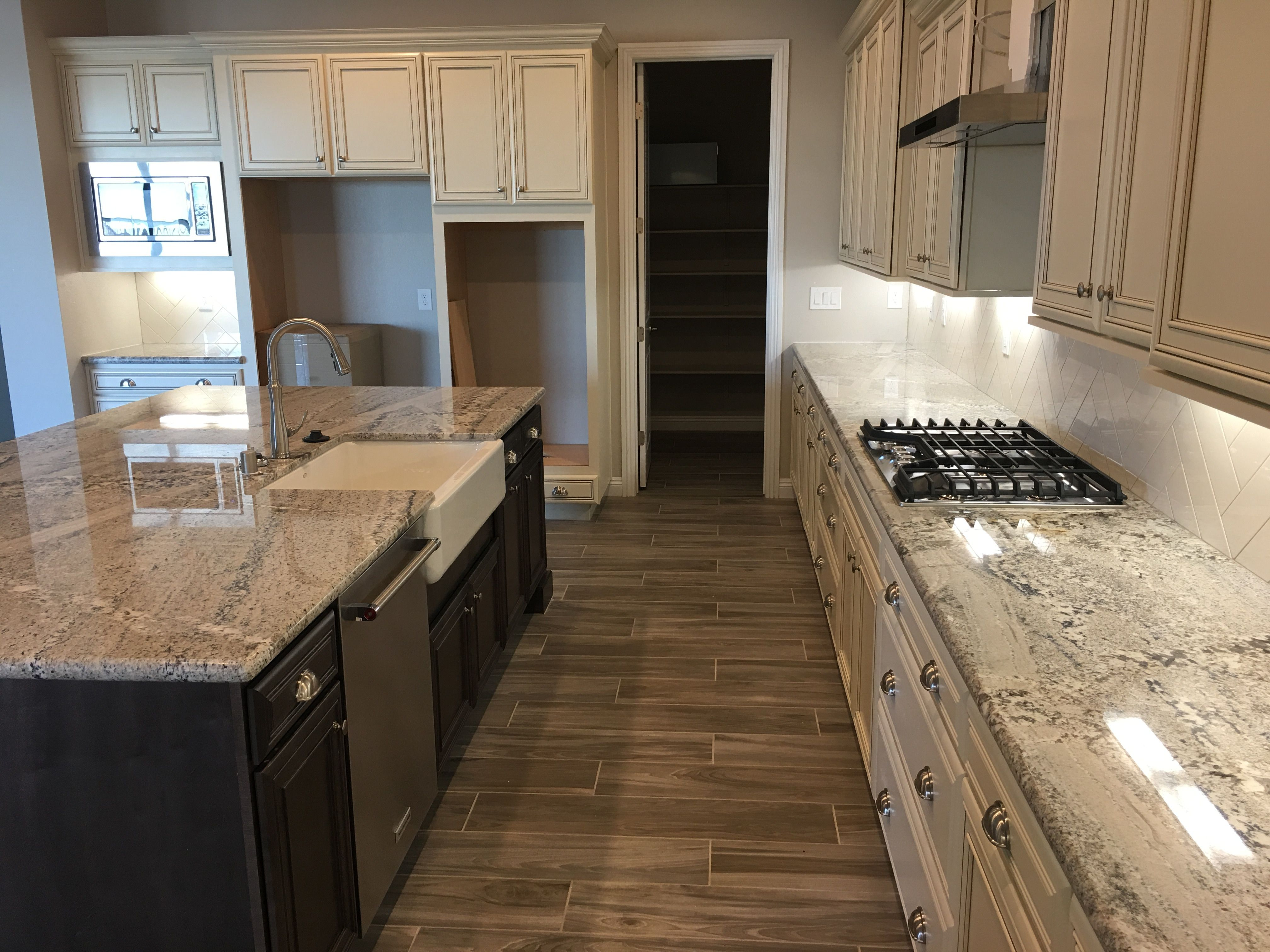 Look What Monte Cristo Granite Looks Like Installed In A Custom Home Here In Las Vegas Nv Another Happy Azt Customer Granite Arizona House Kitchen Design