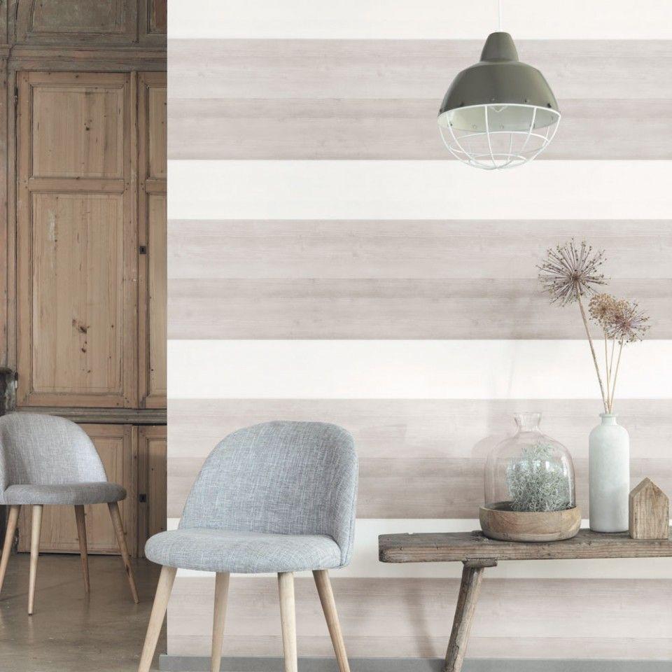 Papel pintado madera con vetas tonos marrones y blanco for Muebles pintados a rayas