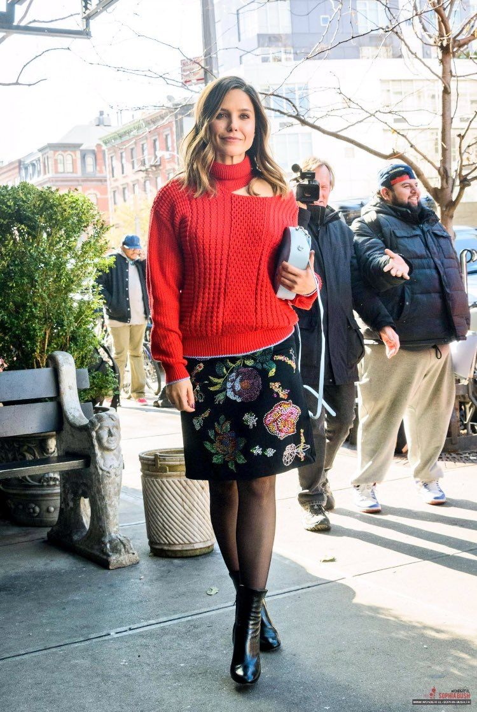 Sophia Bush (With images)   Sophia bush, Fashion, Women