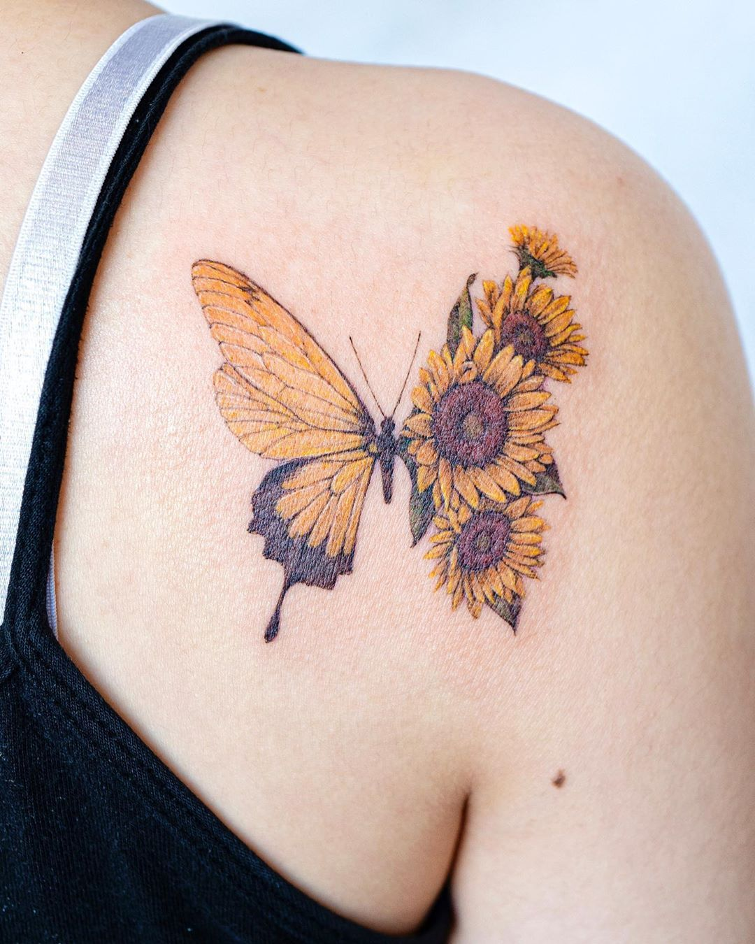 Photo of Sunflower Butterfly Tattoo | Tattoo Ideas and Inspiration | tattooist_color.b
