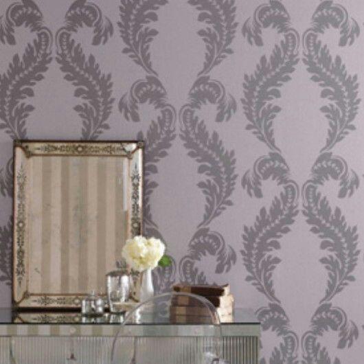 Manzoni fra Osborne & Little.  Klassisk damask i moderne farger og med en lett glittrende overflate.