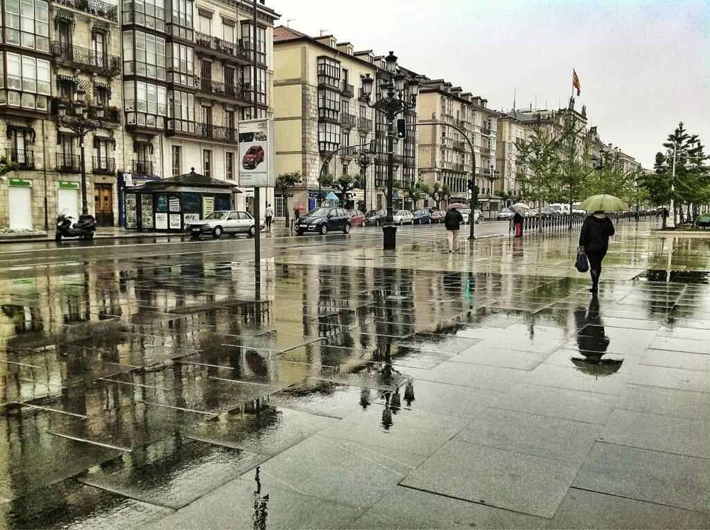 Reflejos en el Paseo Pereda   Santander, Santander cantabria ...