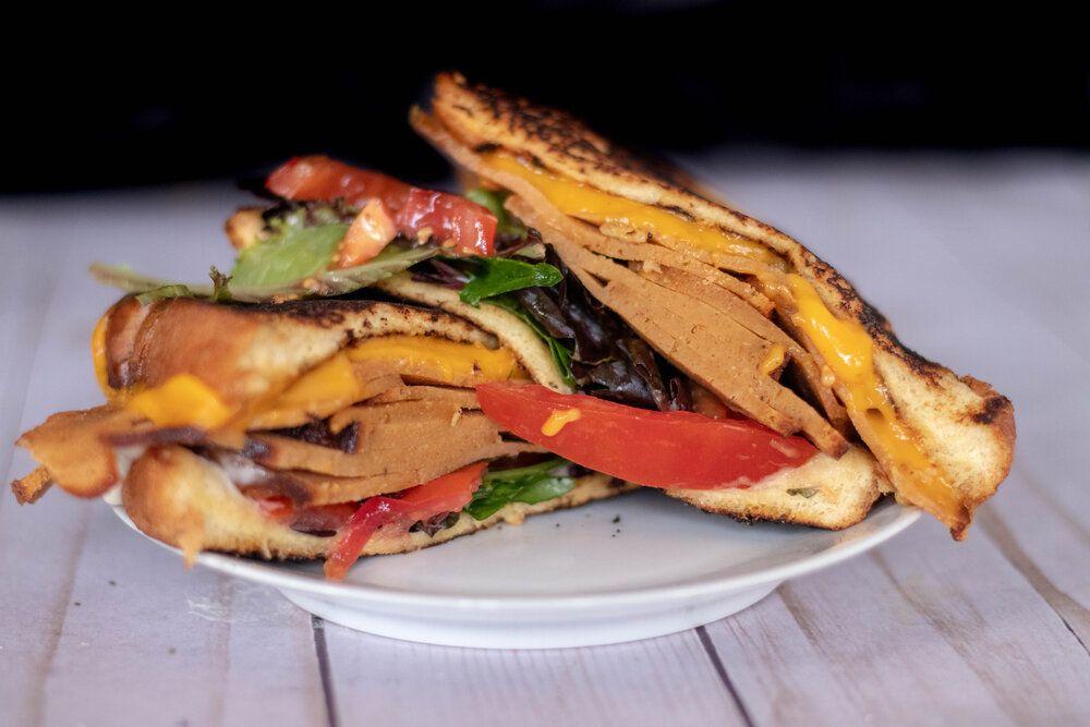 Vegan Glazed Deli Ham 86 Eats In 2020 Deli Ham Deli Meat Recipes Sliced Roast Beef