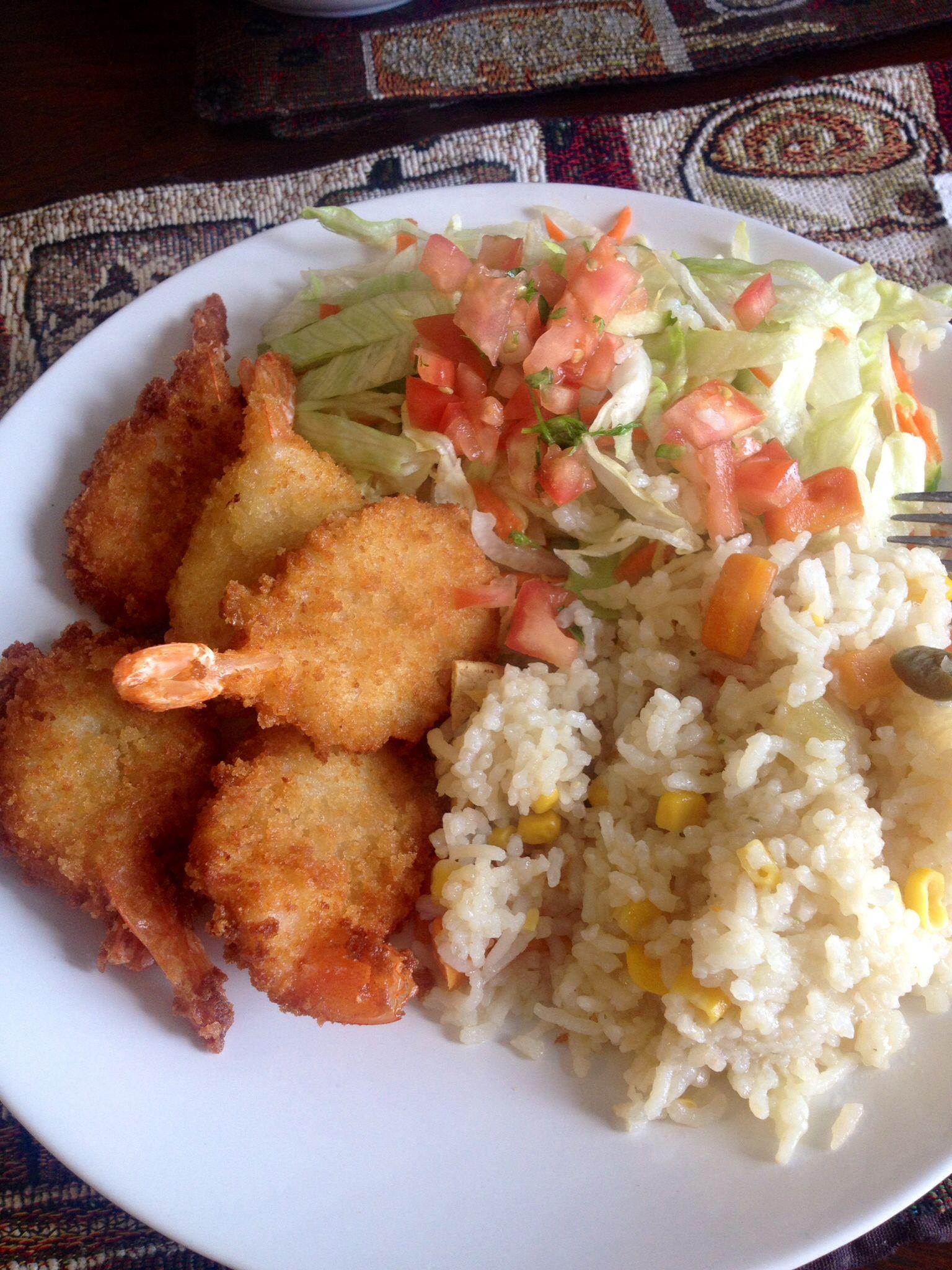 Shrimp, rice and salad
