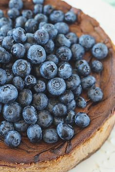 Caramelized White Chocolate Cheesecake with Blueberries