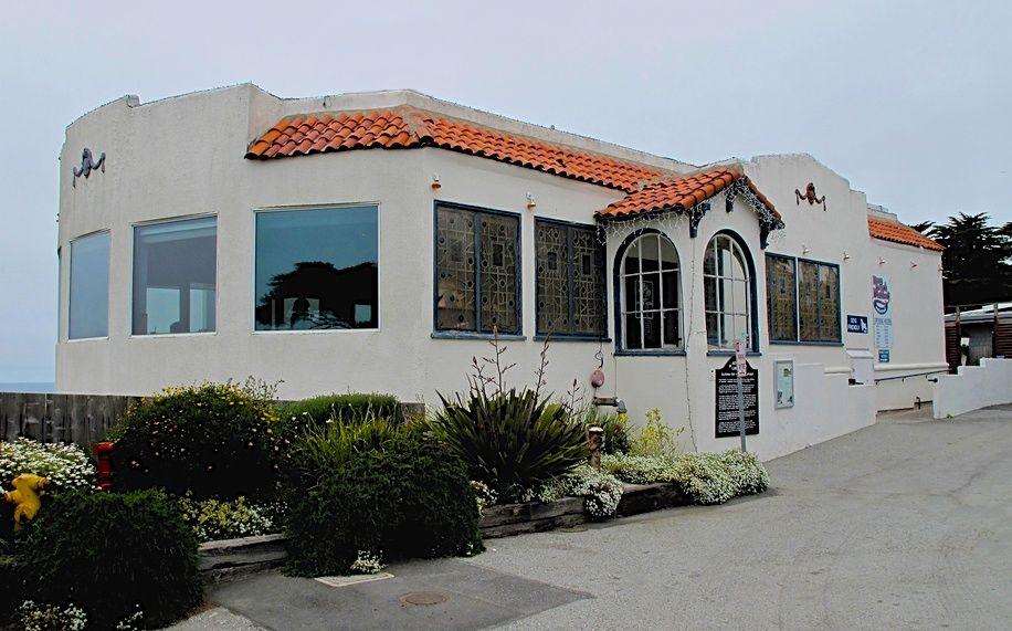 Half moon bay area historic restaurant with ocean view