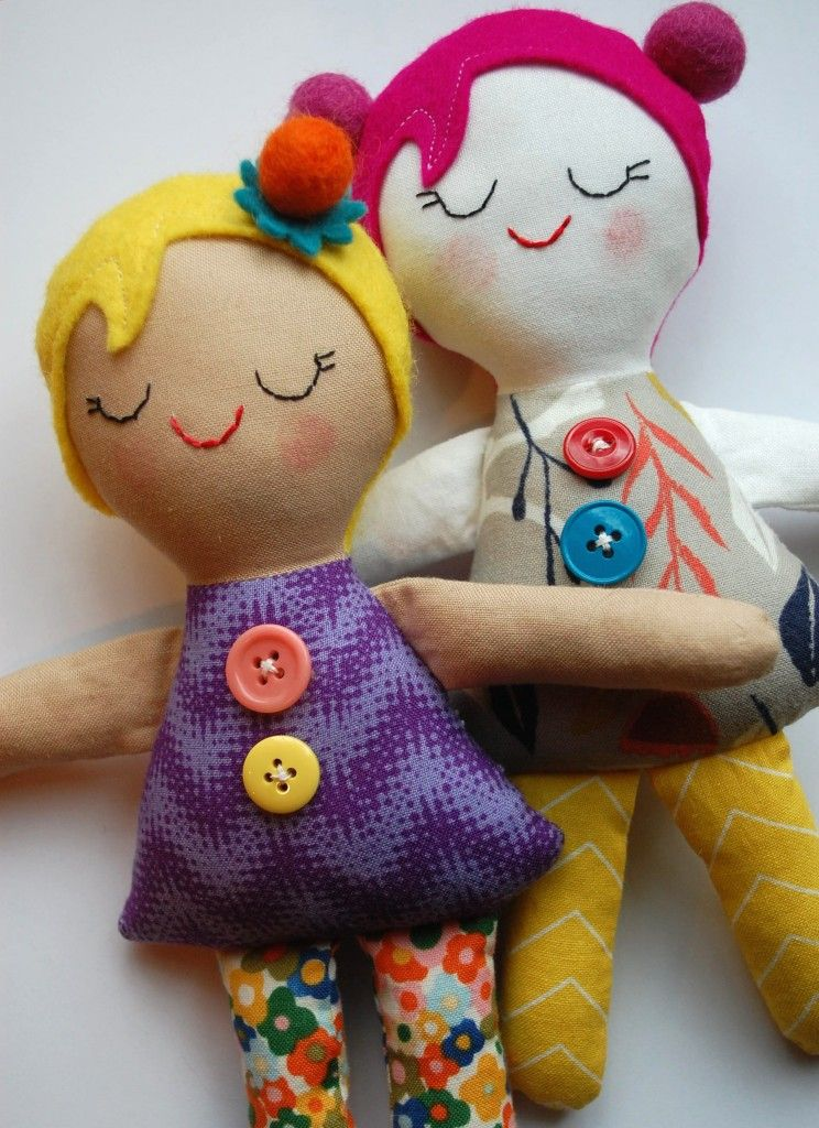 Tutorial bambole stoffa e feltro con cartamodello