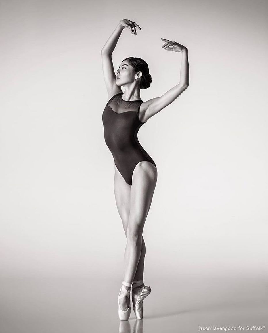 200 Best Ballerina Poses Images In 2020 Dance Photography Dance Photos Dance Pictures