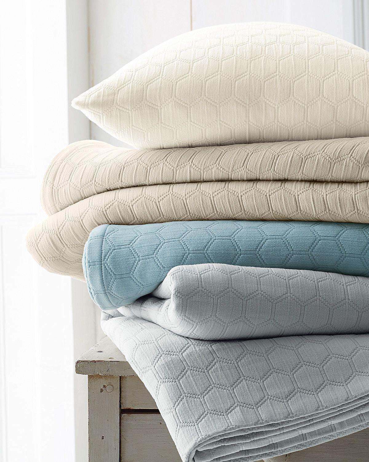 Organic Cotton Coverlet and Sham Hill