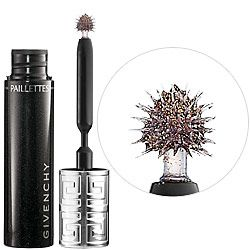 @Maya Maupin used this on me for prom junior year and everyone thought I was wearing false lashes ;)