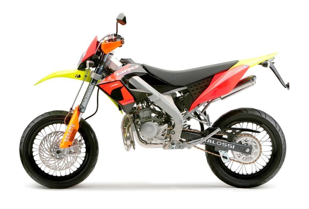 Derbi Senda DRD PRO 50 SM Replica Malossi, vista lateral moto ...