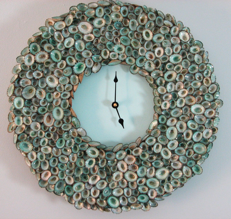 Beach decor shell clock seashell clock of aqua limpet for Seashell clock
