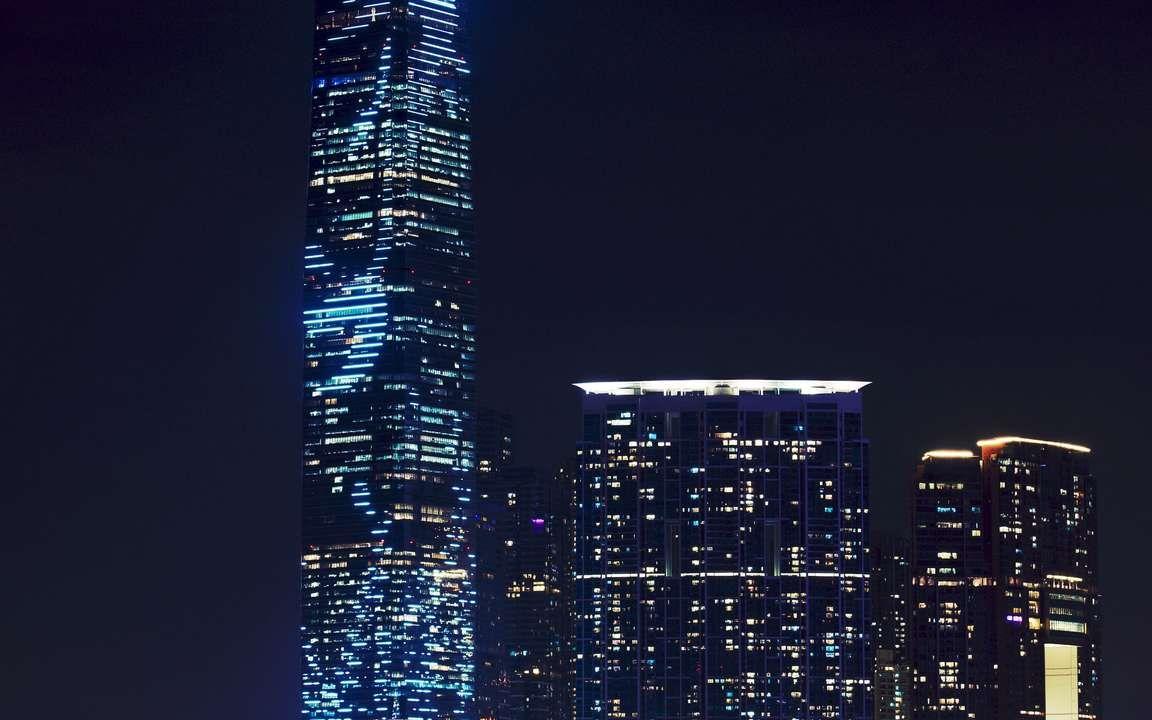 Download Wallpaper 3840x2400 Skyscraper Night City City Lights