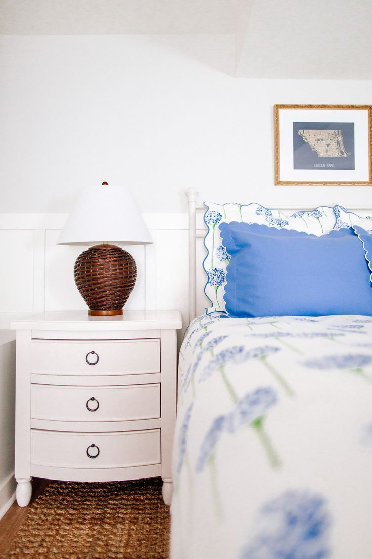#home #interiordesign #preppyhome #classichome #homedecor #bluehome #blueinterior #whitehome #whiteinterior #whitehomedecor #decorations #laundryroom #kitchen #bowls #ceramic #bedroom #drapes #carpet #kitchen #livingroom
