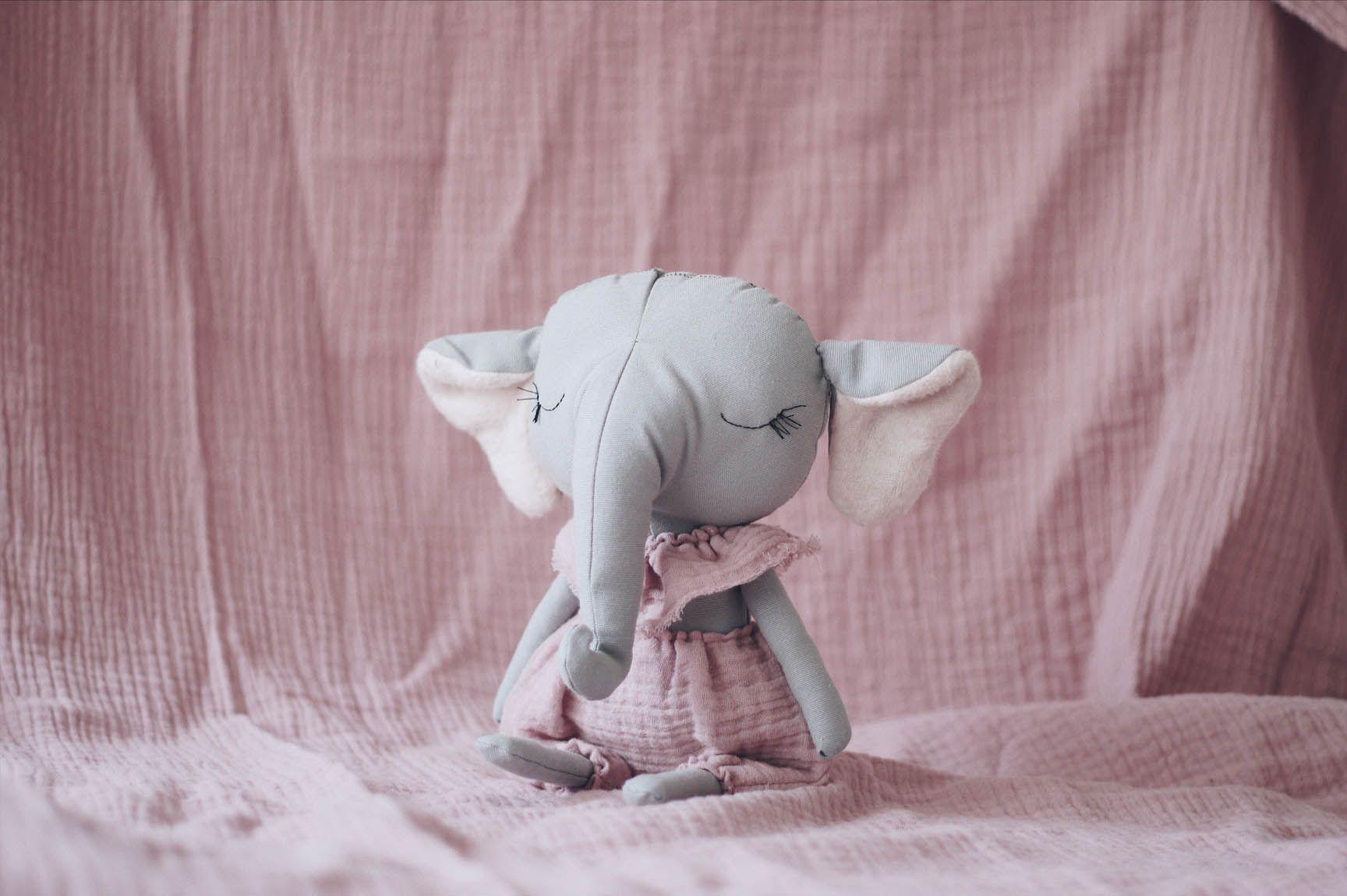 Arati es un mu±eco elefante hecho a mano en espa±a su trompita