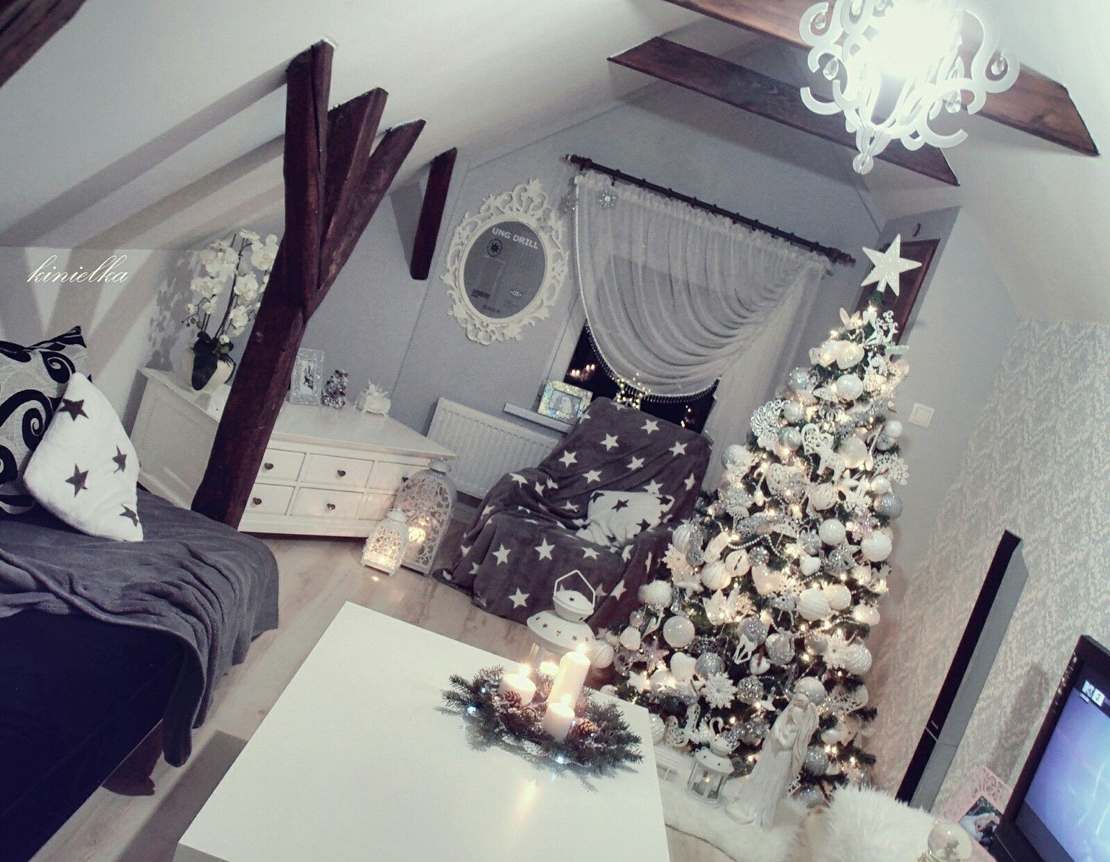 Swiateczny Pokoj Choinka Christmas Tree Christmas Decoration Ikea Eurofirany Home You Christmas Choinka Christmas Holiday Decor Christmas Decorations Decor