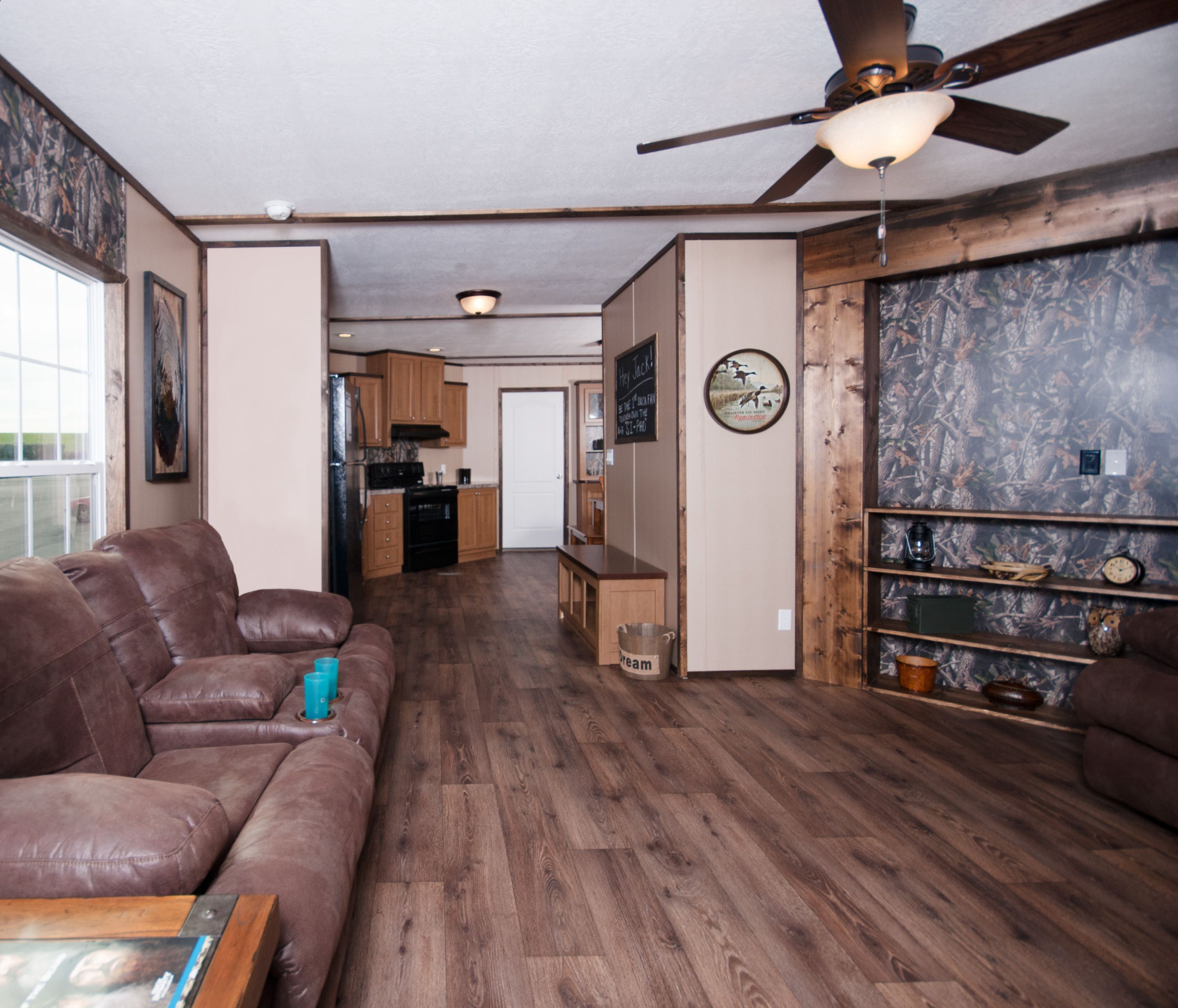 this is a duck dynasty inspired home called the si pad at clayton mobile homes i got a peek. Black Bedroom Furniture Sets. Home Design Ideas