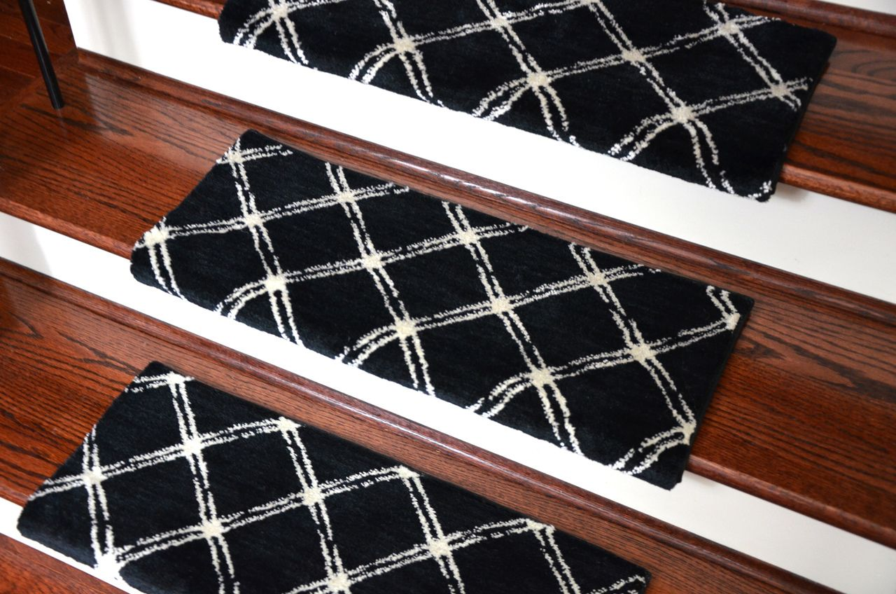 Dean Premium Pet Friendly Tape And Adhesive Free Non Slip Bullnose Nylon  Carpet Stair Treads   Brushed Lattice Onyx   Dean Stair Treads