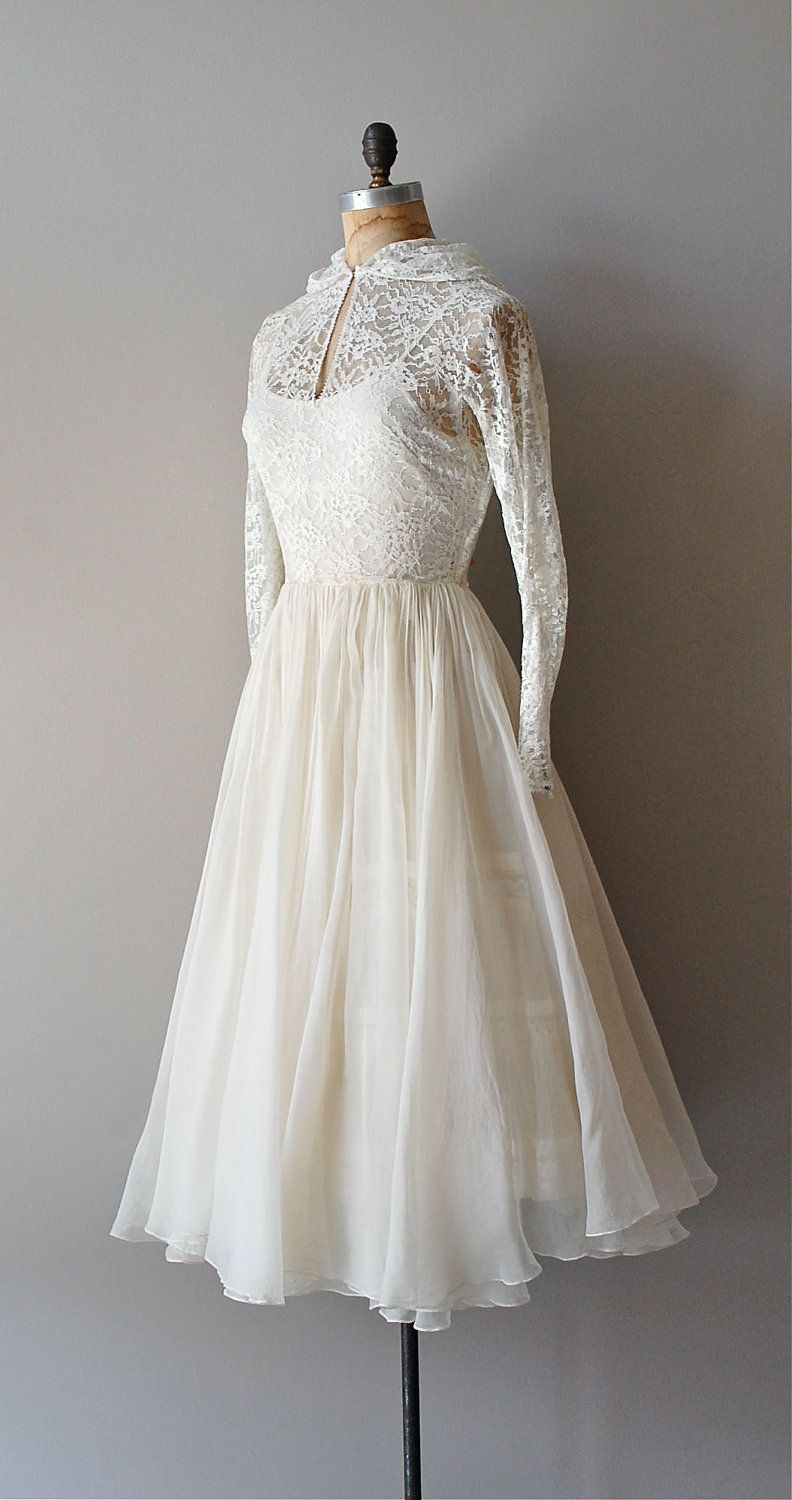 Vintage s wedding dress in white lace and white silk organza