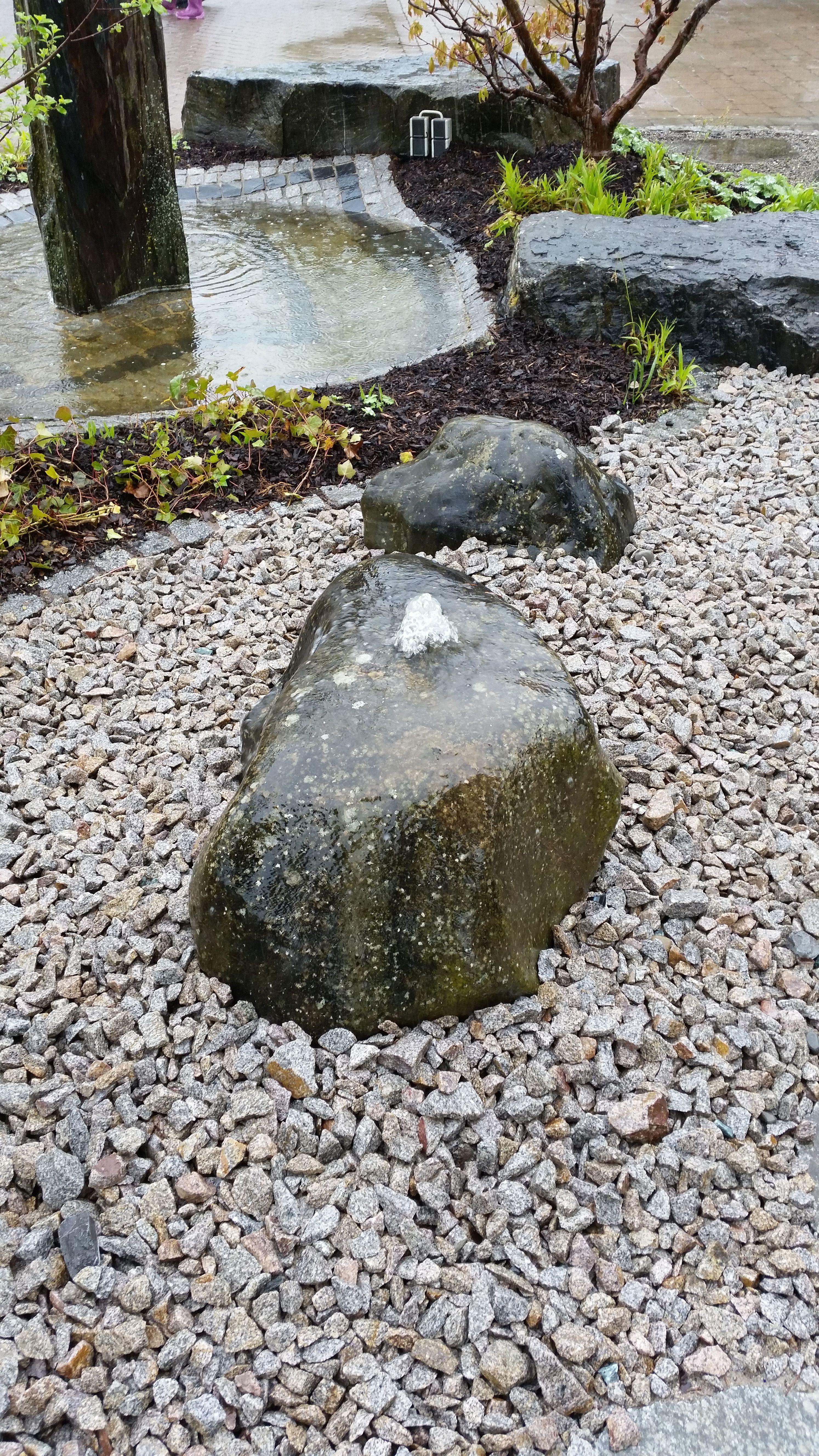 gartengestaltung wasserstein wasserstein   garden   steine, garten und wasser