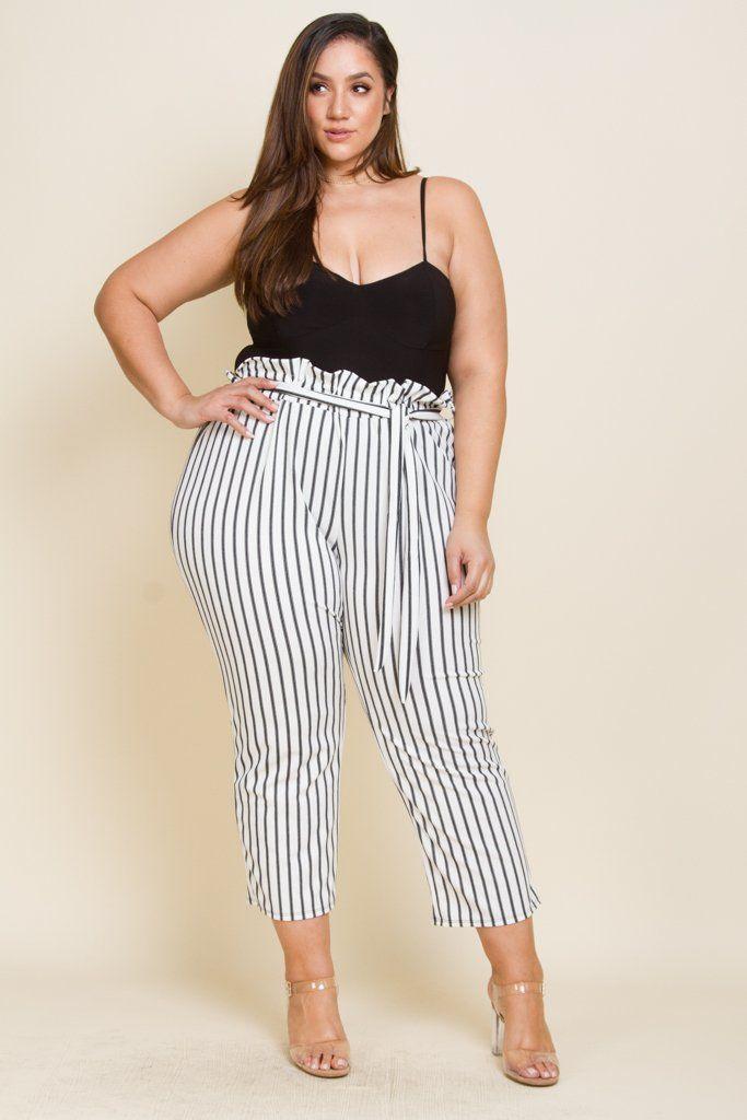 6398d7b854e Plus Size Capri Pants Waist draw string Model is 6'0 wearing 3X ...