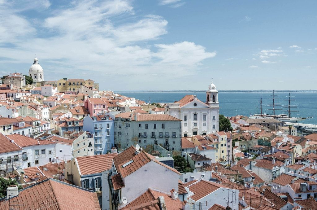 7 Cool Places Where All the Locals Hang Out in Lisbon