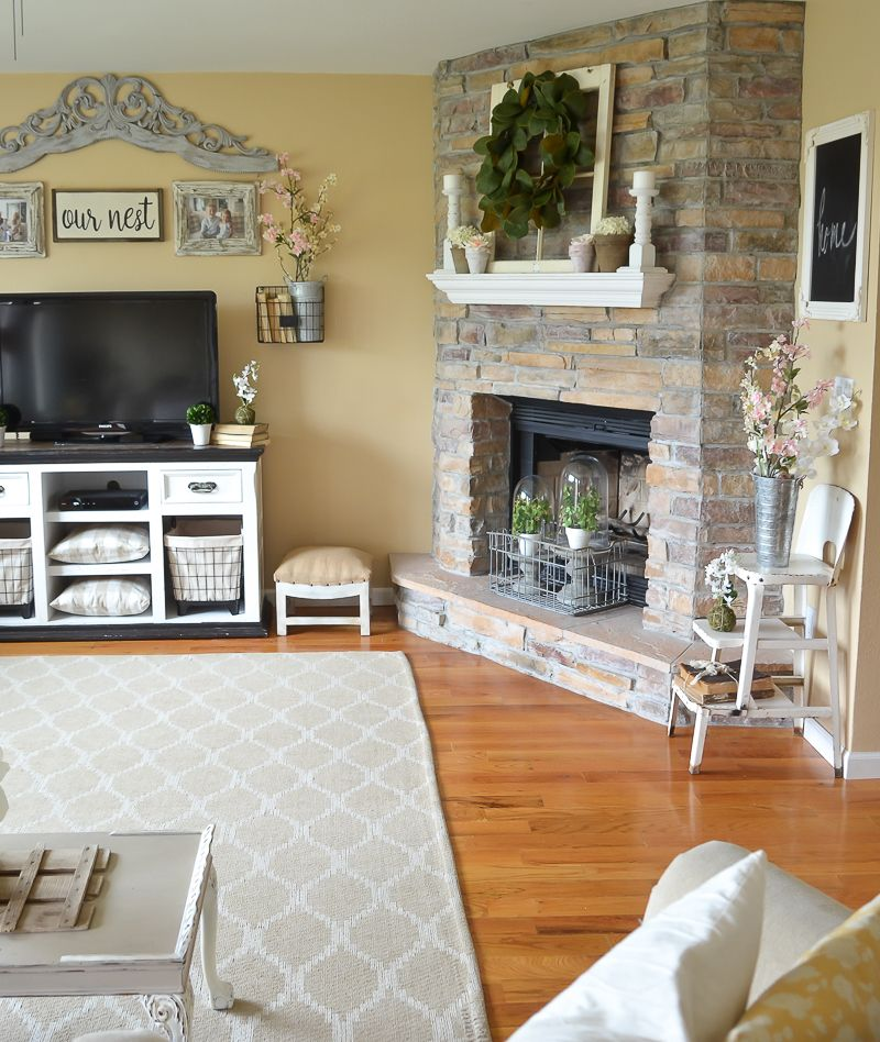 Simple Spring Decor In The Living Room Farm House Living Room Farmhouse Style Living Room Rustic Farmhouse Living Room