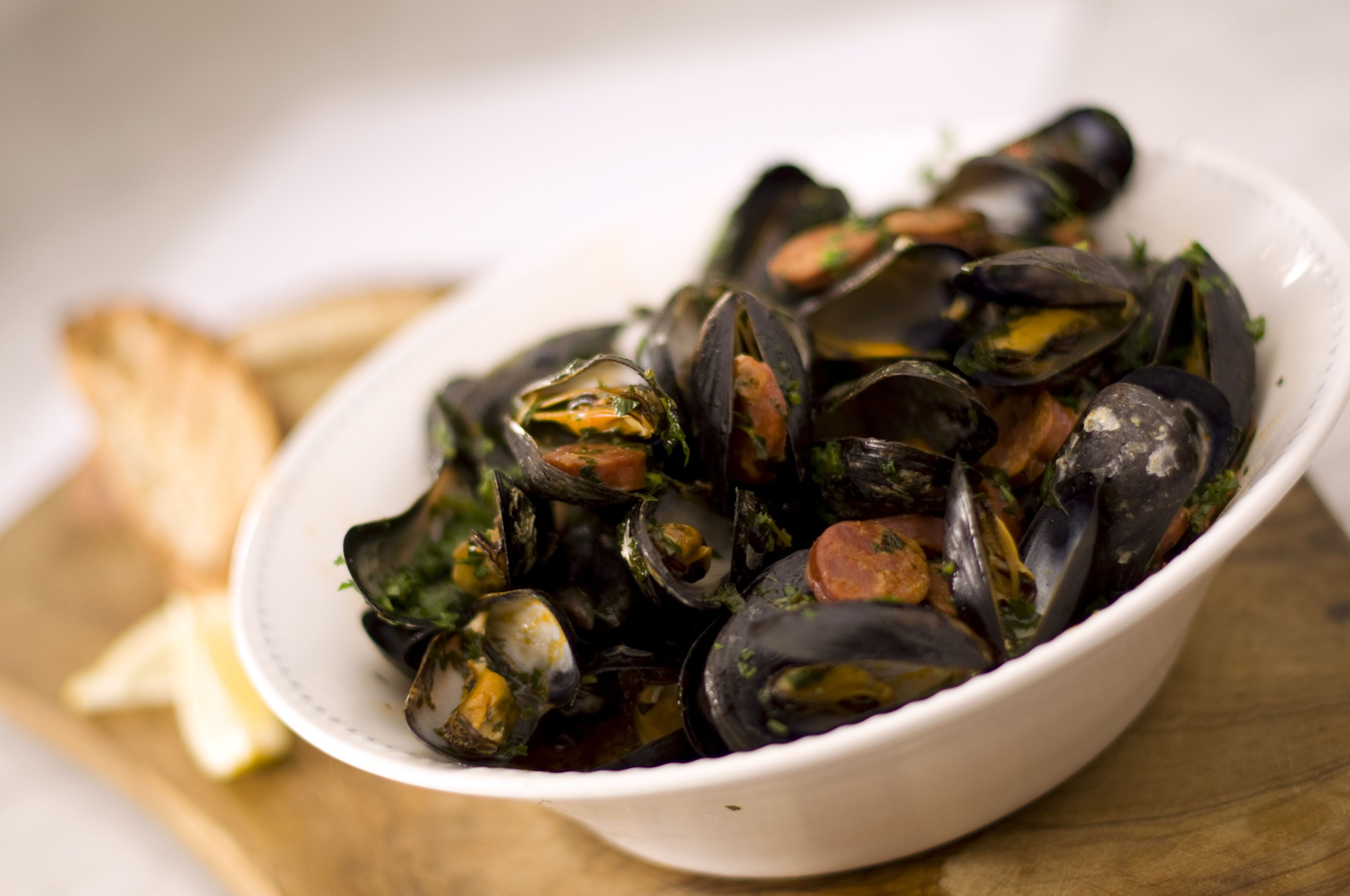 Watch Spanish Tapas-Inspired Mussels video