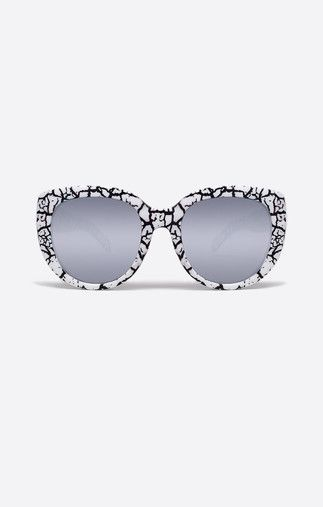 ae4ad2b90f Image 1 Quay Sunglasses