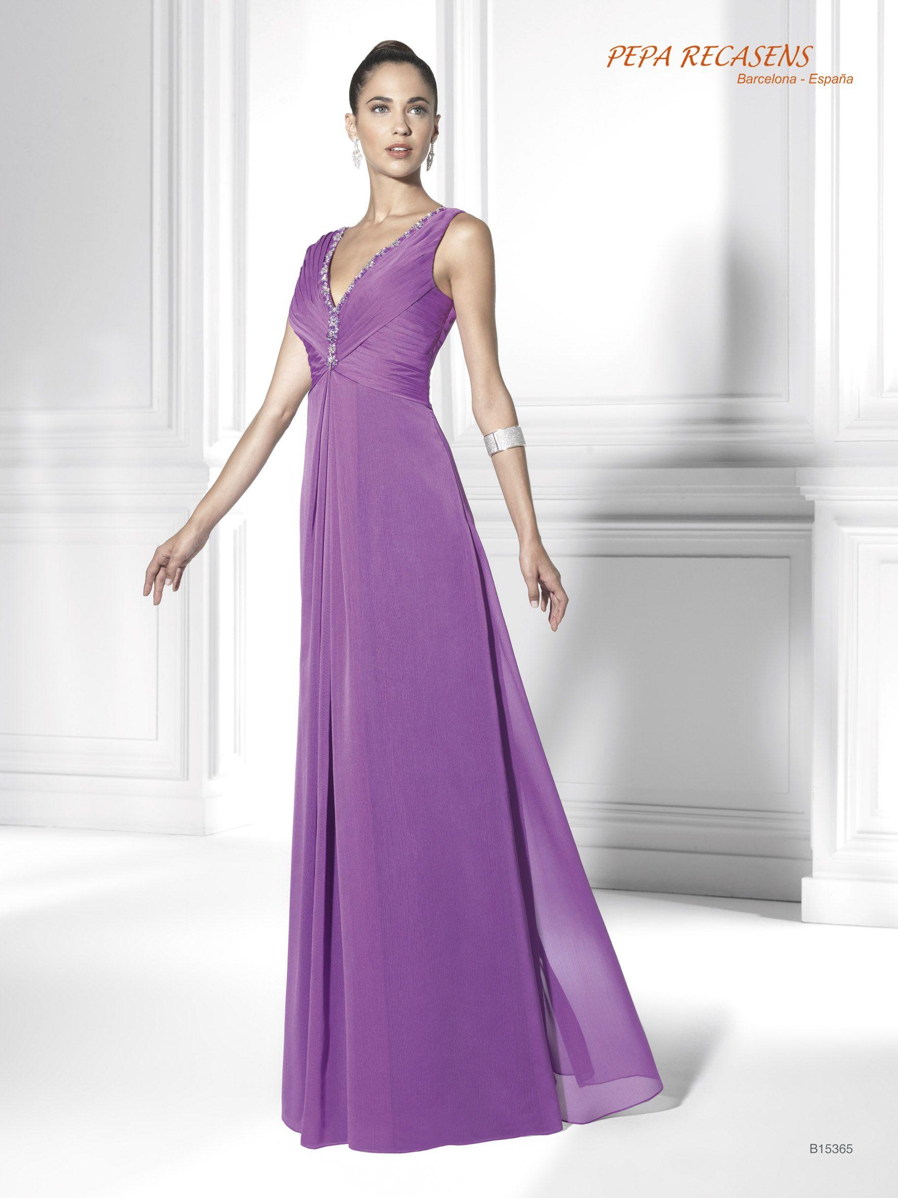 Majestuoso vestido violeta en chiffon de seda para ocasiones ...