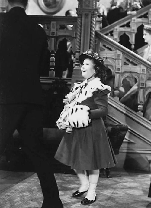 Shirley Temple On The Set Of The Little Princess 1939 Shirley