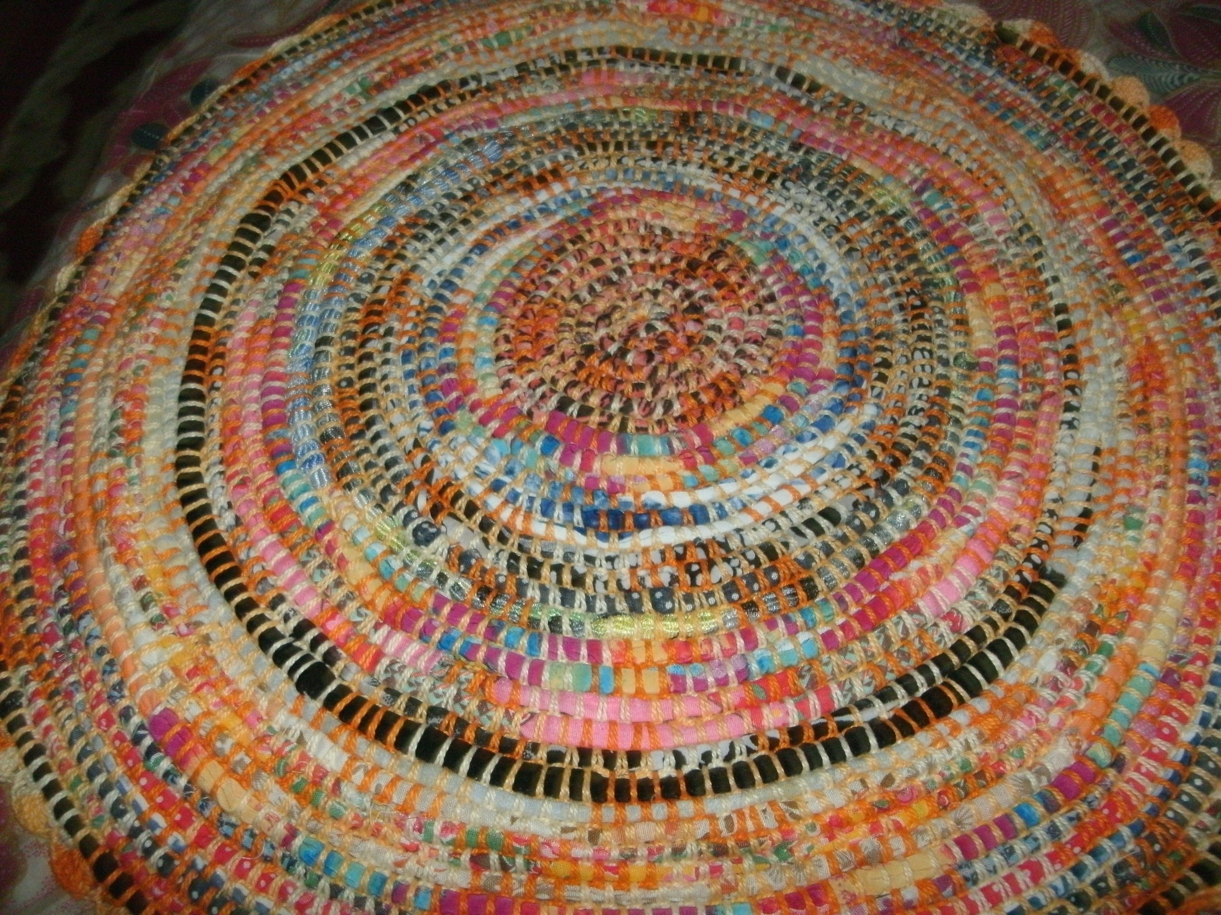 Centro de mesa com tecidos (reciclagem) inesmoreira60@hotmail.com