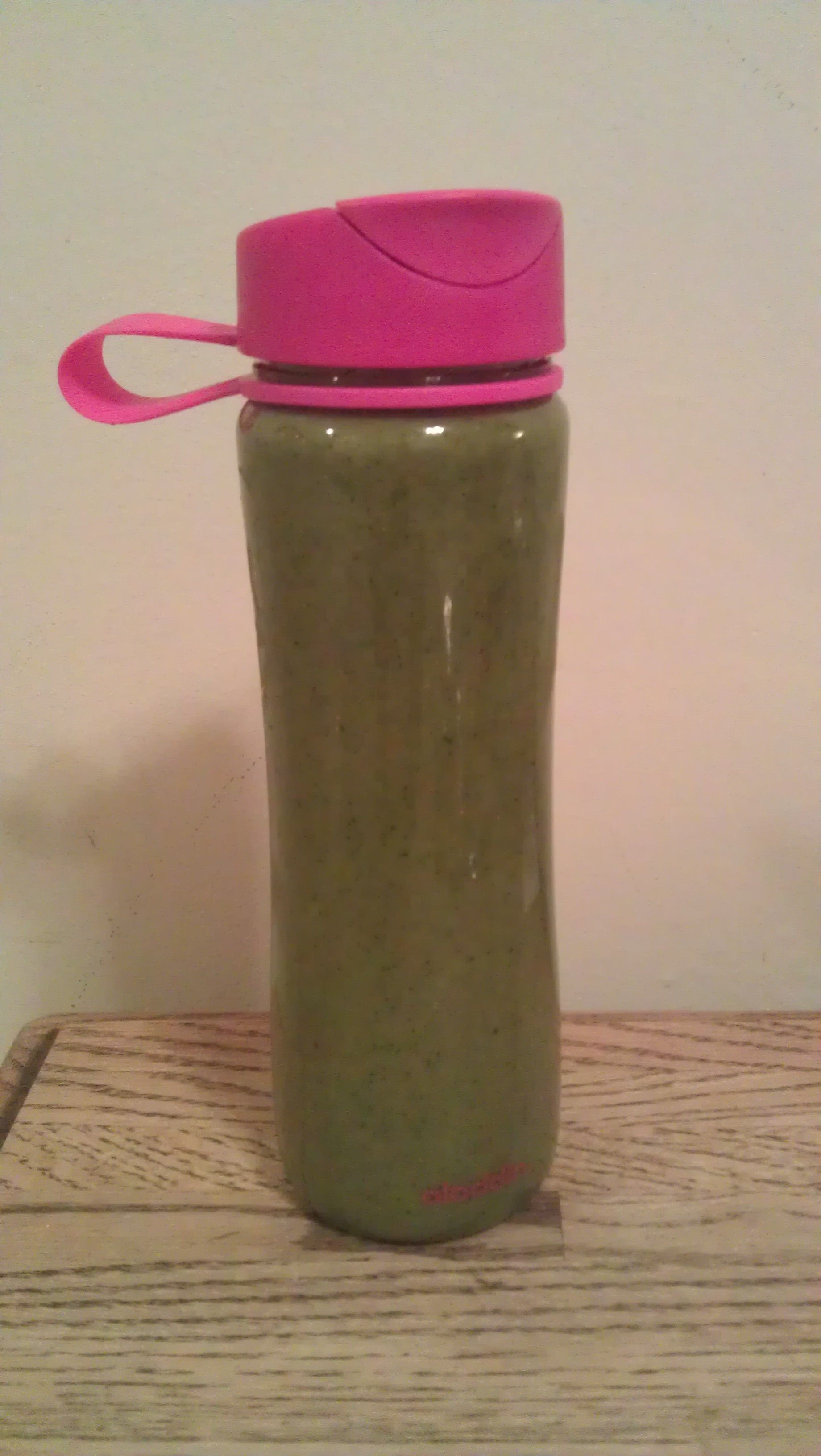 2 cups spinach, 1 cup frozen strawberries, 1 cup frozen