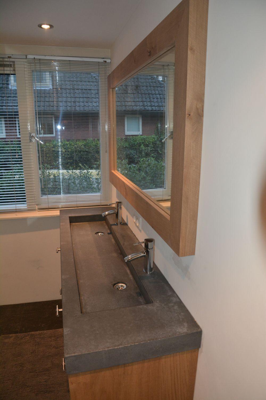 Wasbak Met Spiegel.Vri Interieur Landelijk Modern Eiken Badkamermeubel Met