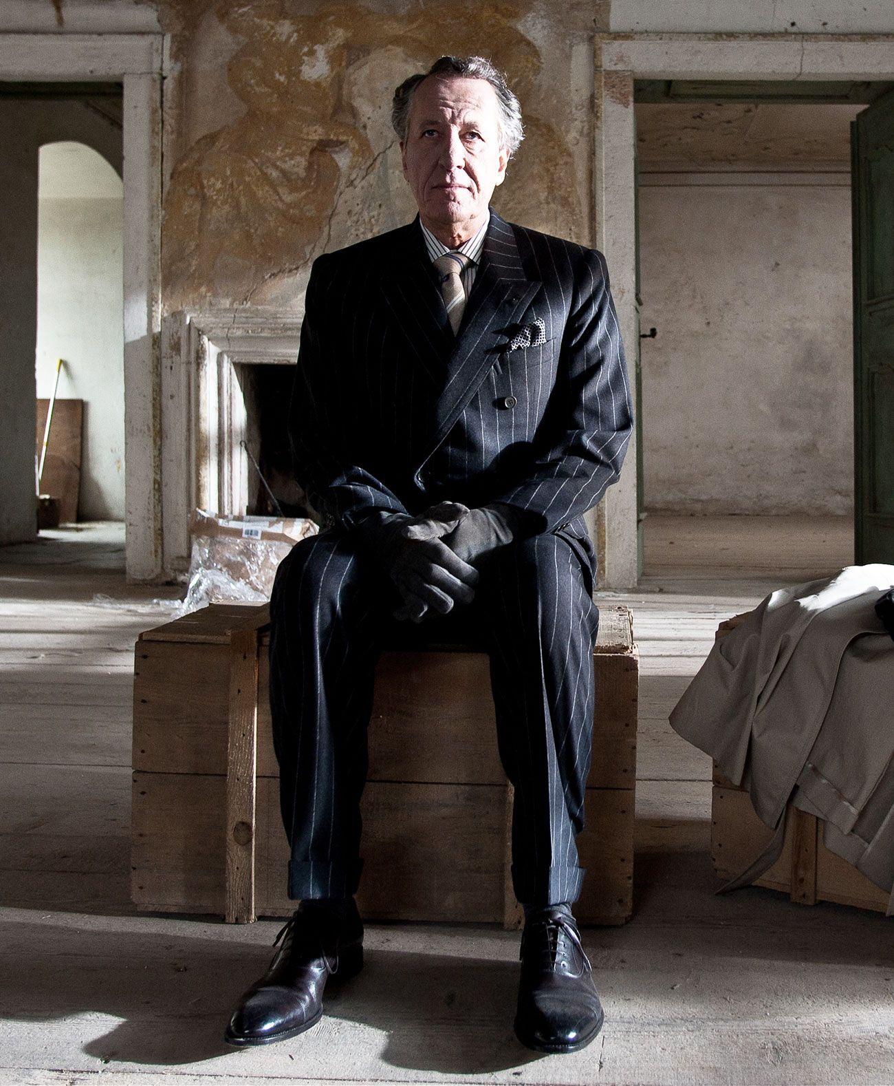 """Brioni veste Geoffrey Rush nel film """"La Migliore Offerta"""" di Giuseppe Tornatore"""