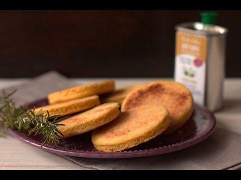 Harcha : Galette de semoule à l'huile d'olive, romarin et citron