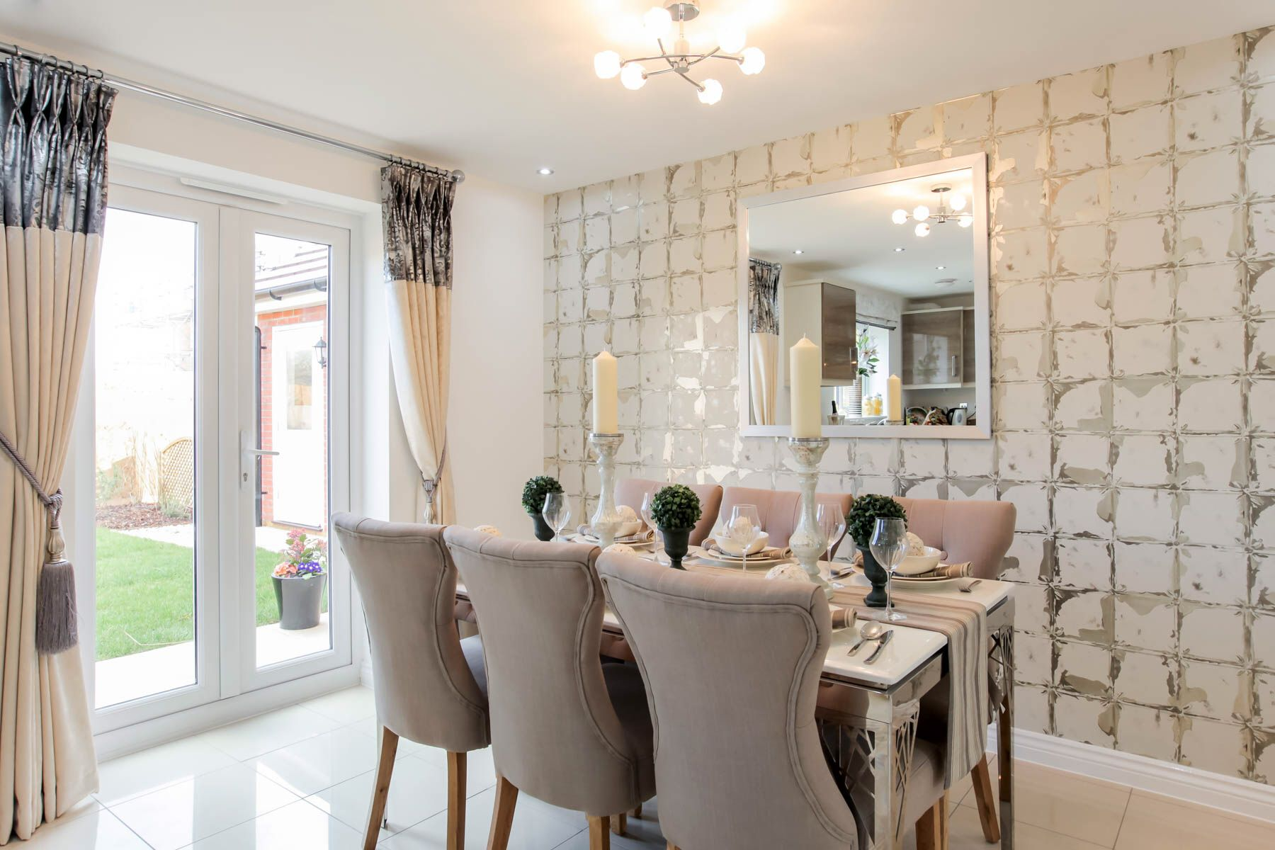 show home dining room | Taylor Wimpey Midford Show Home Kingsmead. I love the ...
