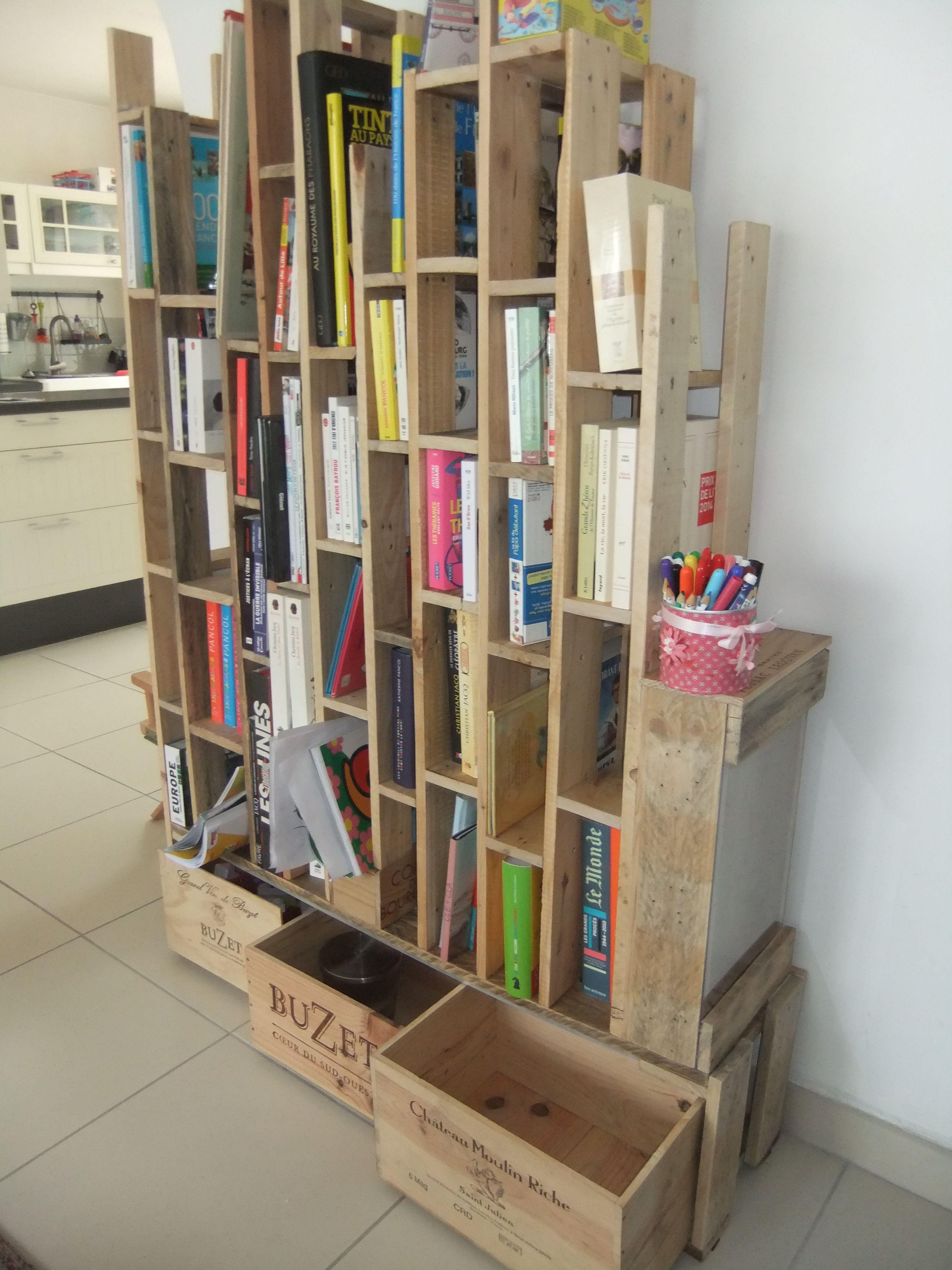 Bibliotheque En Palette Et Caisses De Vin Bibliotheque En