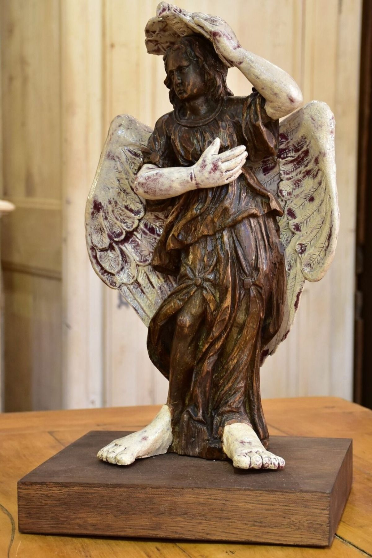 17th century Angel sculpture from a French church with a modern twist – 2/2 #frenchhomedecor #frenchcountrydecorating #homedecor #frenchantiques #frenchantiquescollection #livingroomdecor #homeaccents #antiquescollections #19thcentury #vintagedecor #antiquedecorideas #livingroomdecor
