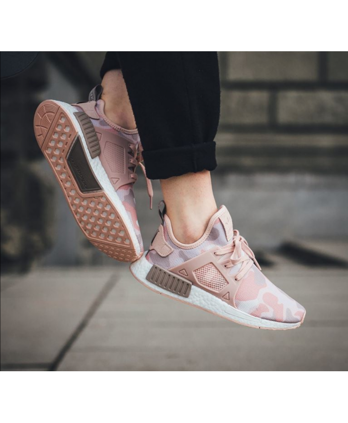 Adidas NMD Duck Camo Pack Pink Trainer Pink with bright and bright  features, it is suitable for female friends to wear.