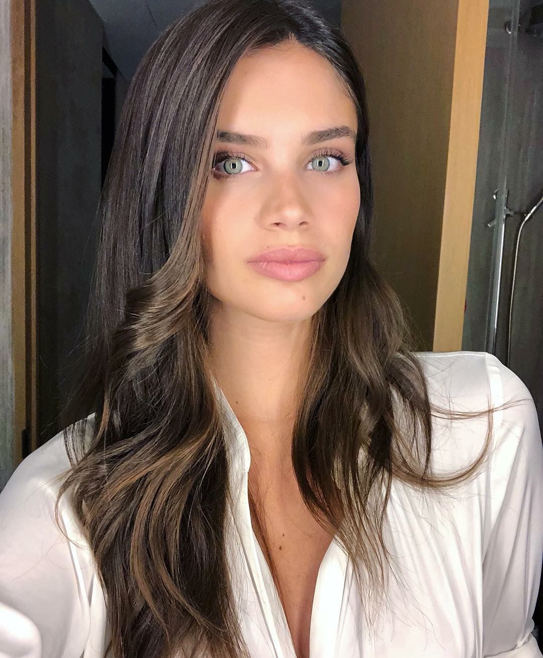 Sara Sampaio, Beauty, Instagram