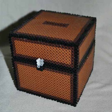 minecraft inspired perler bead coin box chest boy 39 s room. Black Bedroom Furniture Sets. Home Design Ideas