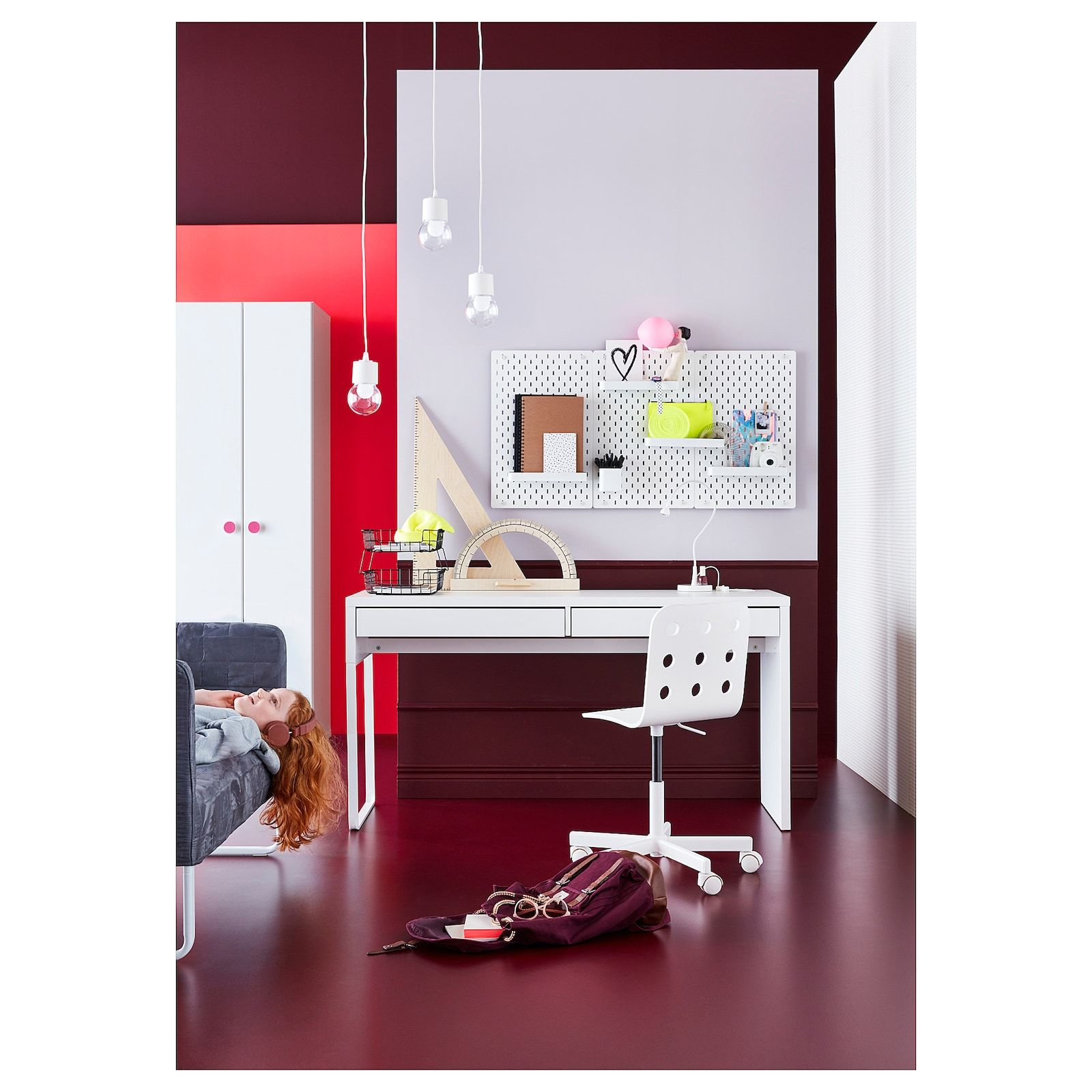 Micke White Desk 142x50 Cm Ikea In 2020 Micke Desk White Desks Ikea