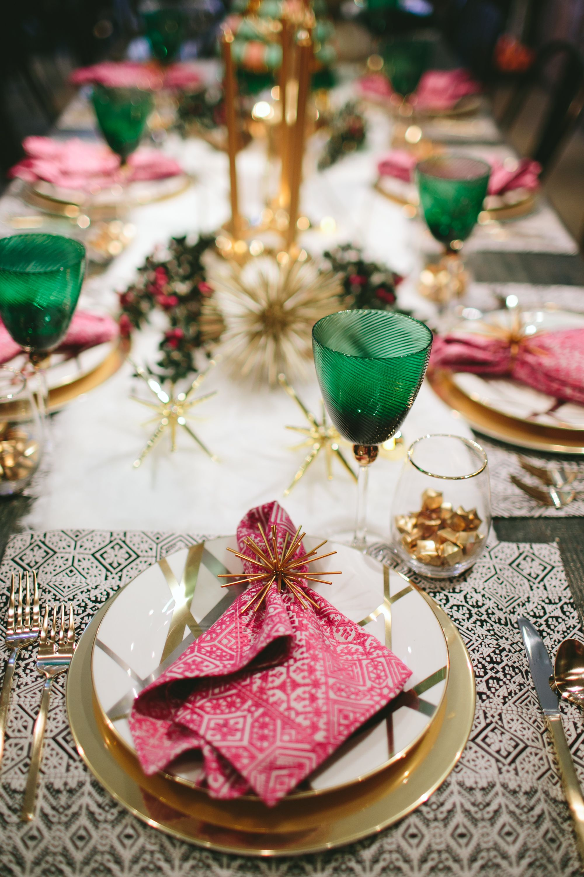 Holidays Two Ways Dazzling Winter Luxe Tabletop With Kelly Golightly Murphy Deesign Rue Christmas Table Inspiration Christmas Table Pink Christmas Table